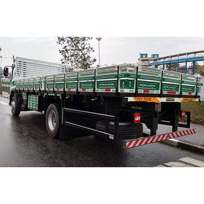 Carroceria de madeira caminhão toco